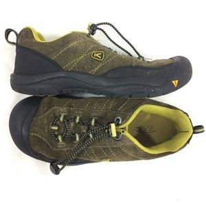 Keen boys 4 closed outdoor shoes